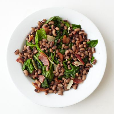 Garlicky Black-Eyed Peas with Spinach and Bacon
