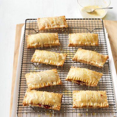 rhubarb and raspberry pie