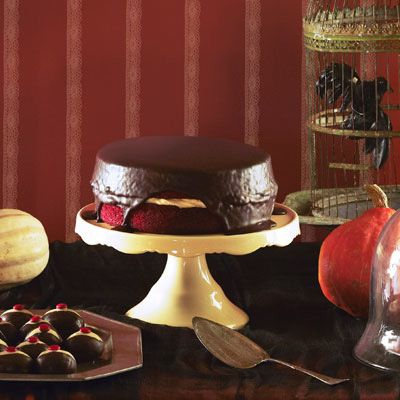 creepy red velvet cake
