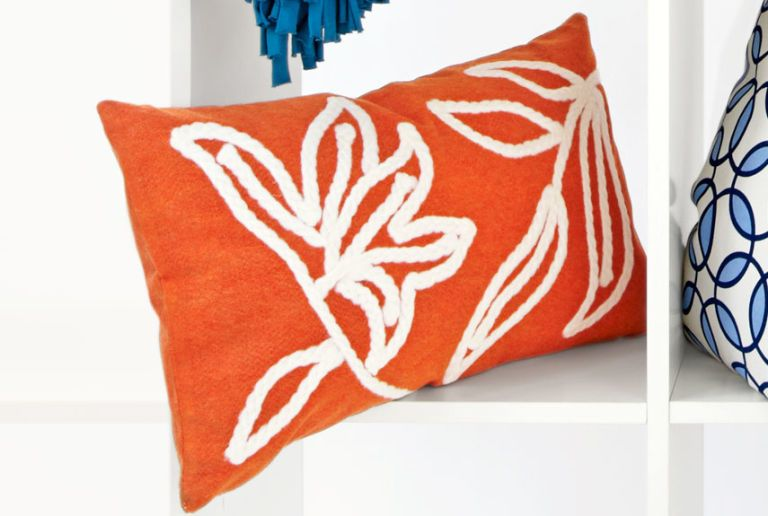 Pretty Accent Pillows for Pennies