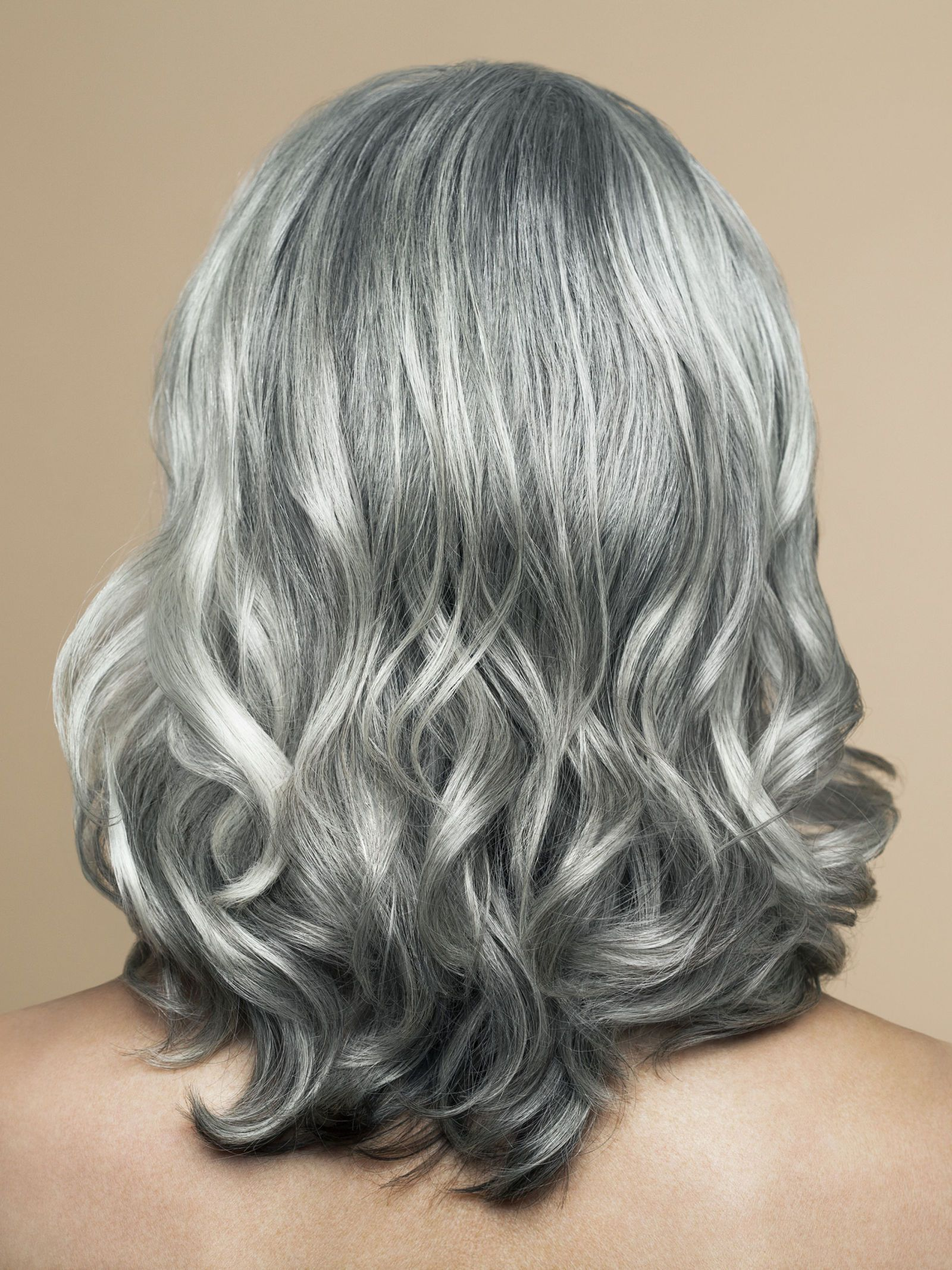 Yes It S Possible How To Go Gray Without Looking Older