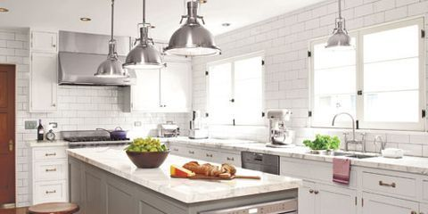 <p>Do you like modern and minimal design? Then you'll love how designer Cynthia Marks of Cynthia Marks Interiors in Los Angeles crafted this space for a serious cook. Click through for her inside tips and favorite accents.</p>