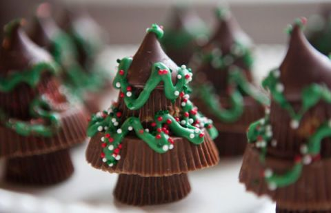 "<p> </p> <p><strong>Get the recipe from <a href=""http://www.teacher-chef.com/2013/12/17/peanut-butter-christmas-trees/"" target=""_blank"">Teacher Chef</a>.</strong></p>"