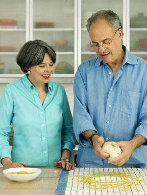 <p>Think baking your own bread is too intimidating? No way! Woman's Day editor-in-chief Jane Chesnutt learns how to make this easy, bakery-style bread with a lesson from Mark Bittman a cookbook author and New York Times columnist. Follow these easy instructions for a great loaf your family will dig in to.</p>