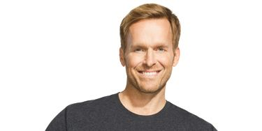 No time? No problem! This workout from health and fitness expert Bob Harper can burn up to 300 calories. Do the full circuit twice.