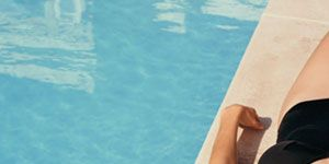 <p>Should you swim with a full stomach? Let scrapes air out? Tinkle on a jellyfish sting? There once may have been some wisdom behind the advice (although probably not with the jellyfish sting), but many summer suggestions are outdated. With the lowdown from top experts, find out which warm-weather beliefs are based on real common sense—and which are complete nonsense.</p>