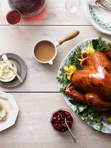 "<p>South Carolina baker <a href=""http://www.calliesbiscuits.com/"" target=""_blank"">Carrie Morey</a> doesn't hoard her family's best recipes. She spreads the love—and tweaks the traditional Thanksgiving favorites.</p> <p><strong>Appetizers:</strong><br /> <strong></strong><a href=""http://www.countryliving.com/recipefinder/collard-brussels-sprout-salad-recipe-clx1113"" target=""_blank"">Collard and Brussels-Sprout Salad</a></p> <p><strong>Main Course:</strong><br /><a href=""http://www.countryliving.com/recipefinder/sage-butter-roasted-turkey-recipe-clx1113"" target=""_blank"">Sage-Butter Roasted Turkey</a></p> <p><strong>Sides:</strong><br /><a href=""http://www.countryliving.com/recipefinder/cornbread-dressing-recipe-clx1113"" target=""_blank"">Cornbread Dressing</a></p> <p><a href=""http://www.countryliving.com/recipefinder/citrus-cranberry-sauce-recipe-clx1113"" target=""_blank"">Citrus-Cranberry Sauce</a></p> <p><a href=""http://www.countryliving.com/recipefinder/caramelized-onion-galette-recipe-clx1113"" target=""_blank"">Caramelized-Onion Galette</a></p> <p><a href=""http://www.countryliving.com/recipefinder/skillet-green-beans-recipe-clx1113"" target=""_blank"">Skillet Green Beans</a></p> <p><a href=""http://www.countryliving.com/recipefinder/potato-gratin-recipe-clx1113"" target=""_blank"">Potato Gratin</a></p> <p><a href=""http://www.countryliving.com/recipefinder/roasted-sweet-potatoes-carrots-recipe-clx1113"" target=""_blank"">Roasted Sweet Potatoes and Carrots</a></p> <p><a href=""http://www.countryliving.com/recipefinder/buttermilk-biscuits-recipe-clx1113"" target=""_blank"">Buttermilk Biscuits</a></p> <p><strong>Dessert:</strong><br /><a href=""http://www.countryliving.com/recipefinder/pecan-pie-recipe-clx1113"" target=""_blank"">Pecan Pie</a></p>"