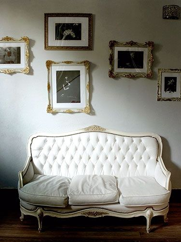 <p>Get those pictures off your camera (finally!) and try these quick display ideas and quick hanging tricks.<strong><em><br /></em></strong></p> <p><strong>Make a gallery-style grouping</strong></p> <p>A cohesive, attractive arrangement is all about balance. Keep spacing even between frames and vary photo sizes to create a composition that feels neat, not overly fussy.</p> <p><strong>White out<br /></strong></p> <p>Have a bunch of mismatched frames? Paint them all the same light color and swap in neutral mats to help pictures pop.</p>