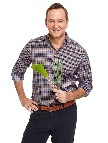 "<p>WD's new columnist, Clinton Kelly, is cohost of ABC's<em> </em><em>The Chew</em>. Email him your home, food or style questions:<a href=""mailto:WDfeatures@hearst.com"" target=""_blank""><em>WDfeatures@hearst.com</em></a><em>.<br /> <br /> </em><strong><em></em></strong></p> <p><strong><em>Q: Do you have any new ideas for easy parties? </em></strong>Virginia Butler, Lakewood, CO<em></em></p> <p>As it turns out, I'm chock-full of ideas! Spending quality time with my family and closest friends is my top priority, so I have to remind myself when life gets ridiculously busy to make time for them. Each to-do will get done. It always does. Not every party has to feature a Vegas-style buffet that requires a week of prep. Split the responsibilities and it becomes much more manageable.</p>"
