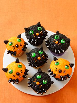 <p>Halloween may be known for creepy crafts and ghoulish decor, but no one said you can't get your daily dose of cute even on the frightful holiday. Treat your party guests, kids or yourself with these creative kitten cupcakes. Filled with rich chocolate and topped with buttercream frosting, these treats are sure to add adorable fun to your Halloween.  </p>