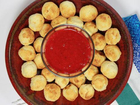 Food, Dish, Plate, Fast food, Finger food, Circle, Cuisine, Snack, Recipe, Dishware,