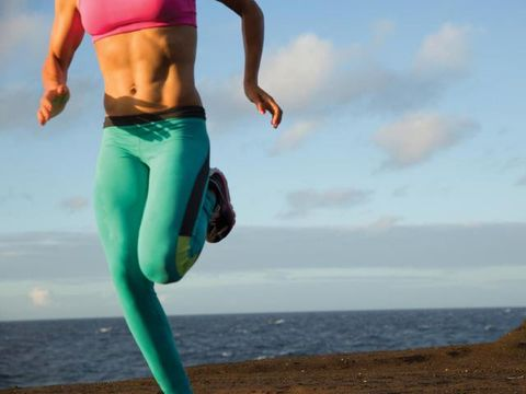 Body of water, Leg, Human body, Human leg, Coastal and oceanic landforms, Sportswear, Joint, Active pants, Elbow, People in nature,