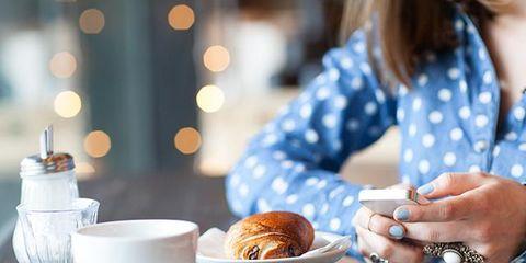 Serveware, Dishware, Coffee cup, Cuisine, Food, Plate, Tableware, Table, Drinkware, Baked goods,