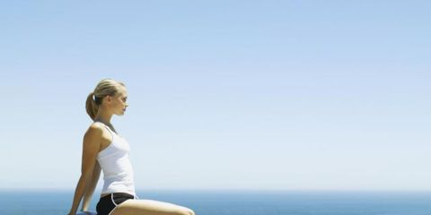 Shoulder, Elbow, Human leg, Sitting, Physical fitness, Summer, People in nature, Knee, Waist, Thigh,