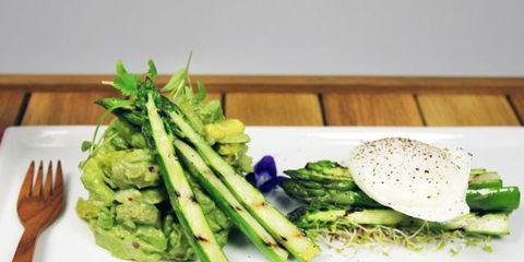 Food, Ingredient, Produce, Vegetable, Dishware, Leaf vegetable, Whole food, Hardwood, Plate, Natural foods,