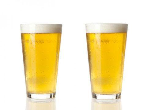 Beer, Liquid, Drinkware, Yellow, Drink, Barware, Alcohol, Alcoholic beverage, Beer glass, Glass,