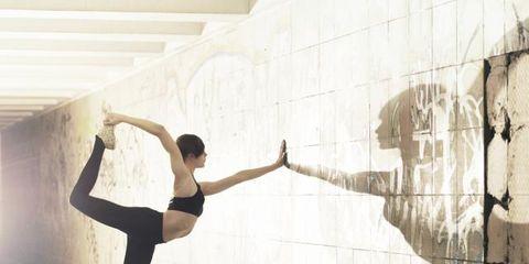 Human leg, Ballet shoe, Athletic dance move, Knee, Art, Dancer, Thigh, Ballet, Ballet dancer, Artist,