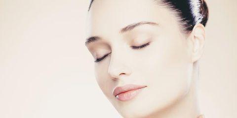 Ear, Lip, Cheek, Hairstyle, Skin, Chin, Forehead, Shoulder, Eyebrow, Eyelash,