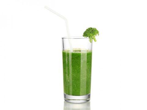 Liquid, Green, Drink, Ingredient, Vegetable juice, Juice, Health shake, Tableware, Produce, Aojiru,