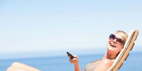 Eyewear, Vision care, Goggles, Comfort, Human leg, Sunglasses, Leisure, Sitting, Summer, Elbow,