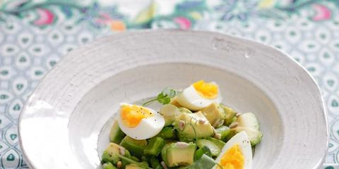 Food, Ingredient, Dishware, Serveware, Boiled egg, Egg yolk, Produce, Egg white, Leaf vegetable, Vegetable,