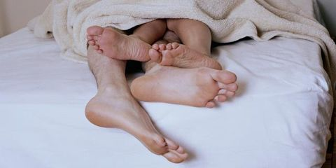 Finger, Comfort, Linens, Wood flooring, Nail, Barefoot, Toe, Foot, Baby, Sole,
