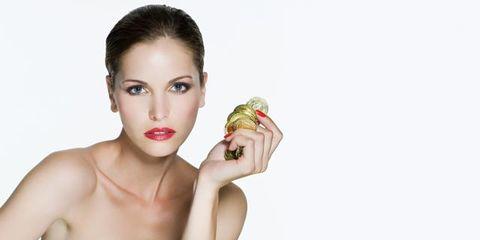 Finger, Hand, Wrist, Eyelash, Elbow, Fruit, Nail, Model, Cosmetics, Eating,