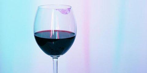 Fluid, Liquid, Drinkware, Stemware, Glass, Wine glass, Barware, Drink, Tableware, Red wine,