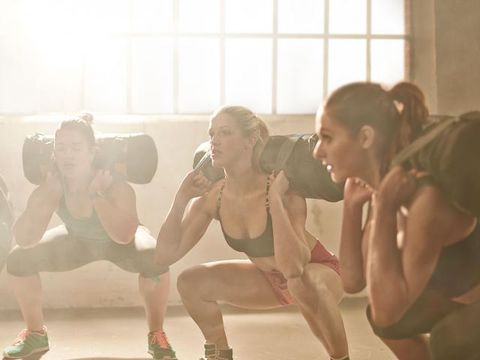 Human leg, Sleeveless shirt, Chest, Leisure, Elbow, Physical fitness, Knee, Thigh, Shorts, Athletic shoe,