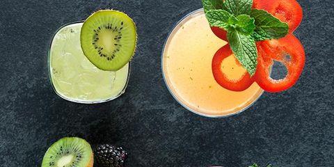Fruit, Food, Citrus, Produce, Natural foods, Dishware, Tableware, Flowering plant, Ingredient, Serveware,