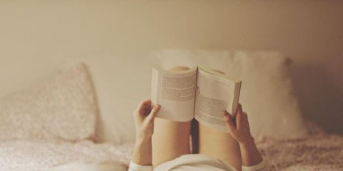 Comfort, Textile, Bed, Barefoot, Linens, Room, Bedding, Bedroom, Bed sheet, Foot,