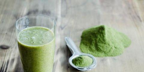 Green, Ingredient, Drink, Juice, Vegetable juice, Food, Health shake, Aojiru, Green sauce, Tableware,