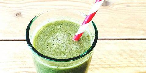 Green, Liquid, Drink, Ingredient, Juice, Vegetable juice, Food, Health shake, Tableware, Smoothie,