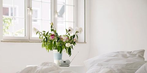 Window, Room, Bedding, Interior design, Textile, Bed sheet, Linens, Flower, Bedroom, Bed,