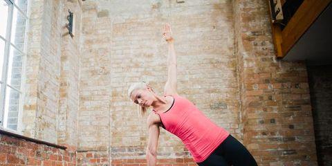 Leg, Human leg, Shoulder, Active pants, yoga pant, Elbow, Sportswear, Exercise, Knee, Physical fitness,