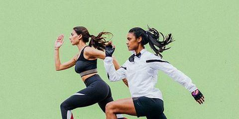 Footwear, Leg, Human leg, Shoe, Active pants, Knee, Athletic shoe, Shorts, Exercise, Thigh,