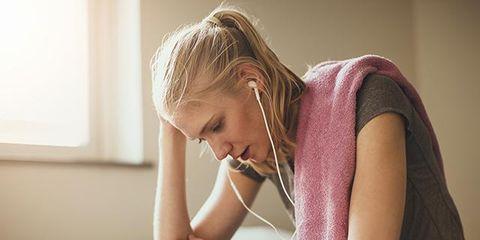 Shoulder, Skin, Sitting, Pink, Beauty, Blond, Arm, Joint, Neck, Ear,