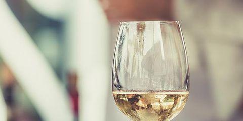 Drinkware, Stemware, Glass, Wine glass, Barware, Fluid, Drink, Alcoholic beverage, Tableware, Champagne stemware,