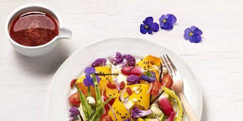 Food, Salad, Dishware, Ketchup, Vegetable, Ingredient, Sauces, Garden salad, Cuisine, Condiment,