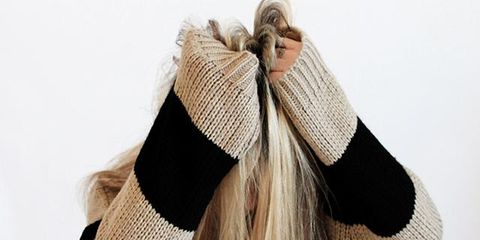 Hair, Wool, Beige, Brown, Shoulder, Woolen, Beanie, Headgear, Fashion accessory, Outerwear,