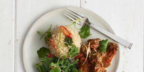 Food, Ingredient, Leaf vegetable, Dishware, Tableware, Recipe, Produce, Cuisine, Kitchen utensil, Garnish,