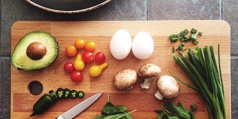 Food, Ingredient, Root vegetable, Produce, Vegetable, Natural foods, Whole food, Dishware, Cutting board, Serveware,