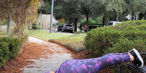 Purple, Violet, Shrub, Waist, Lavender, Physical fitness, Active pants, Foot, Hip, Camera,