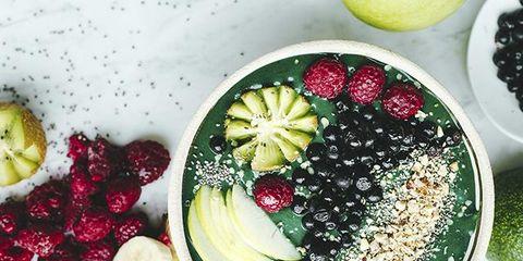 Food, Produce, Natural foods, Ingredient, Fruit, Sweetness, Dishware, Serveware, Tableware, Liquid,