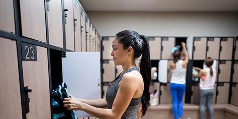 5 gym bag essentials every woman needs