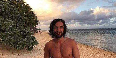 Barechested, Beach, Vacation, Muscle, Summer, Sky, board short, Chest, Sun tanning, Selfie,