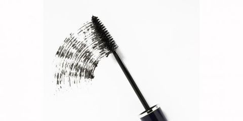 Line, Grey, Black-and-white, Stationery, Brush, Cosmetics, Silver, Makeup brushes, Shadow, Writing implement,