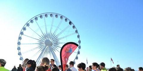 Arm, Ferris wheel, Crowd, Recreation, Tourism, Leisure, Pink, Summer, Magenta, Travel,