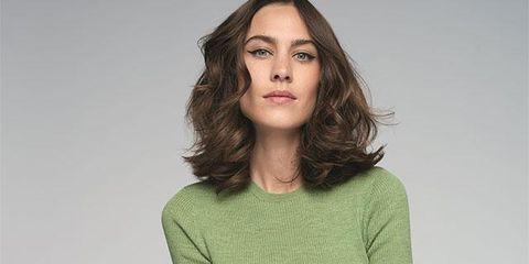 Clothing, Neck, Shoulder, Sleeve, Green, T-shirt, Fashion model, Joint, Fashion, Arm,