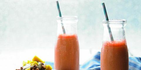 Ingredient, Drink, Food, Tableware, Juice, Bowl, Vegetable juice, Cuisine, Meal, Liquid,